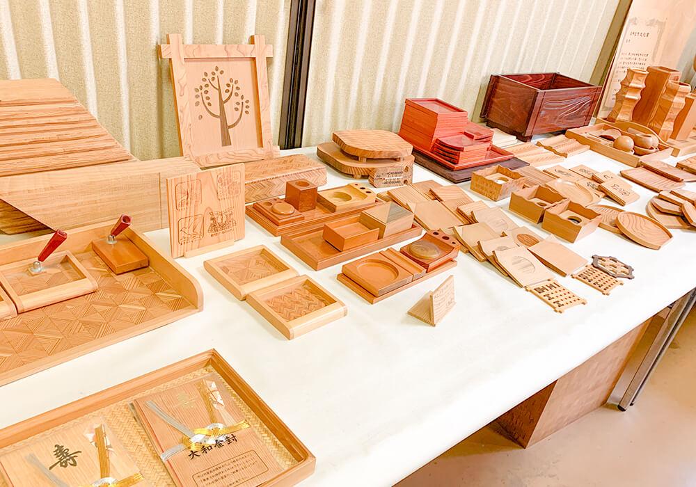 木の学校内の作品展示