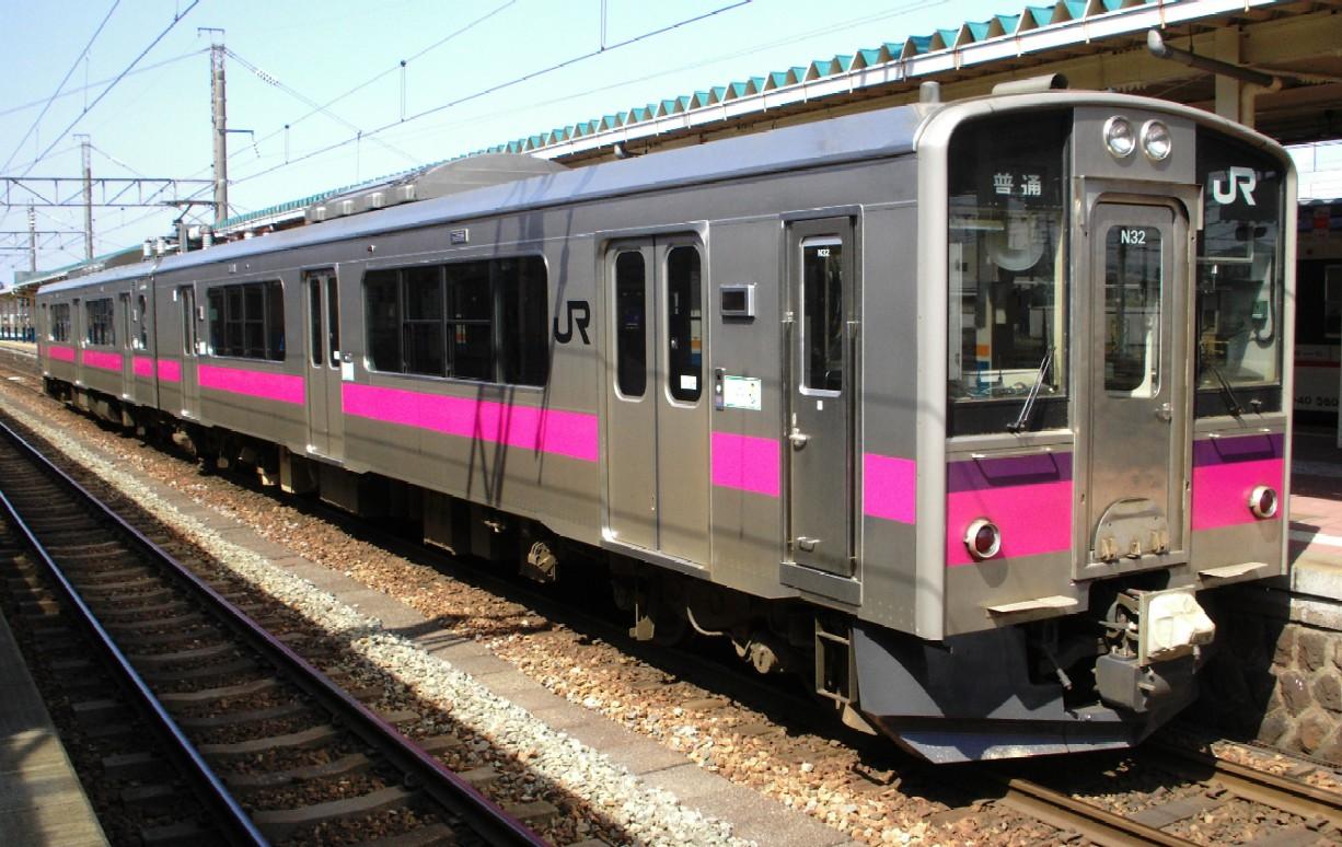 奥羽本線の狭軌区間で使用される701系