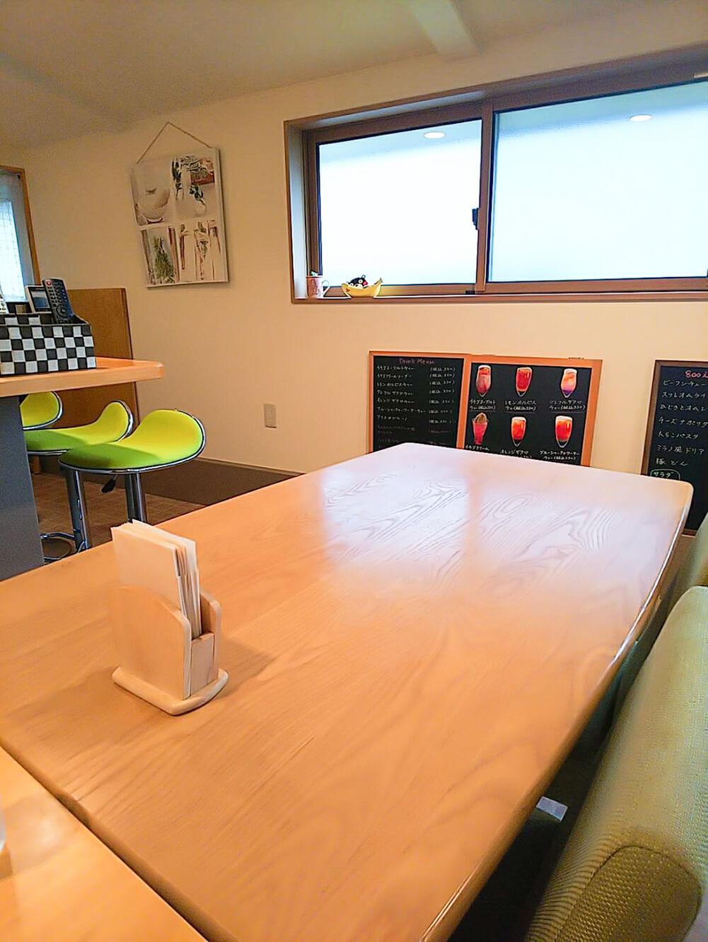 チャバテーブル席