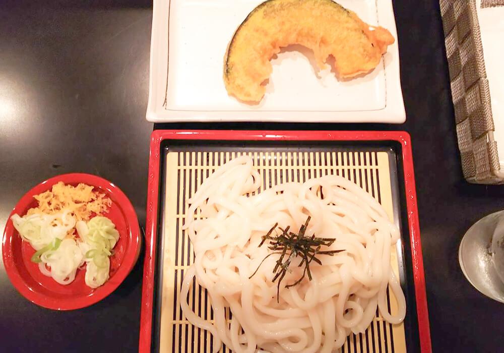 うどんとカボチャの天ぷら