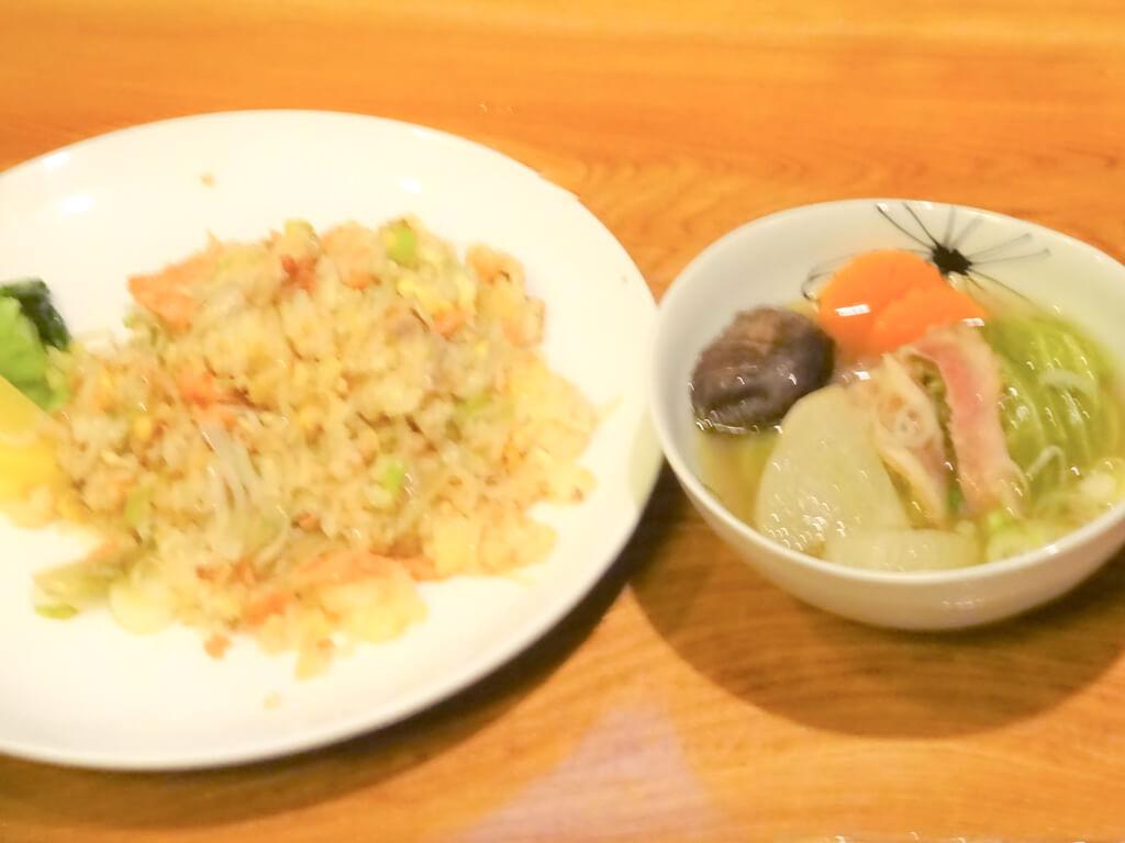 サケ炒飯&ロールキャベツ入りスープ